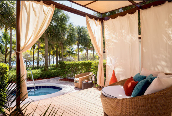 Pool Cabana in Baker FL